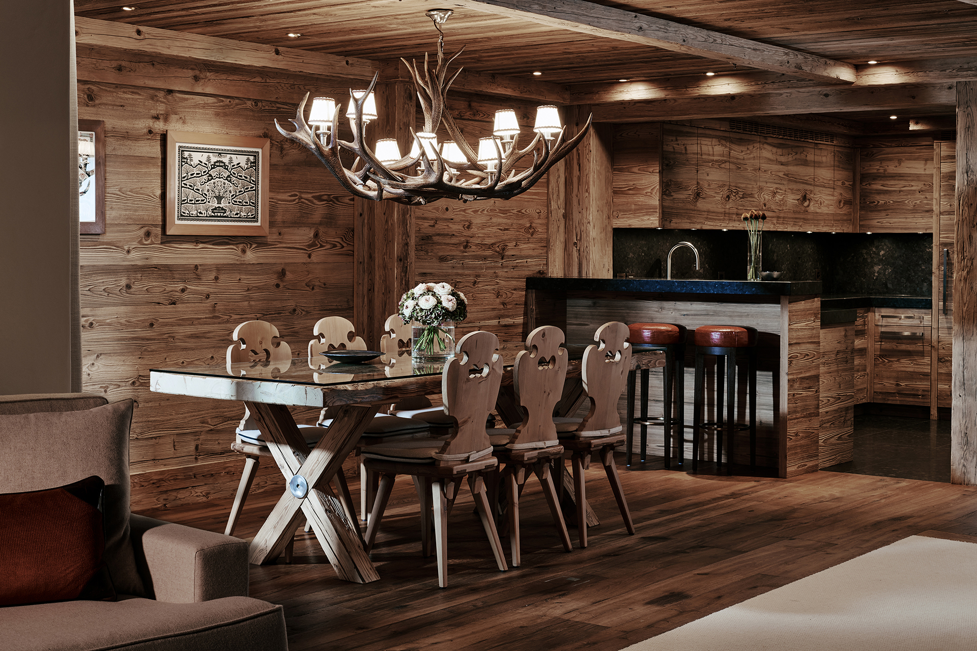 TheAlpinaGstaad_Rooms&Suites_0037_1920.jpg