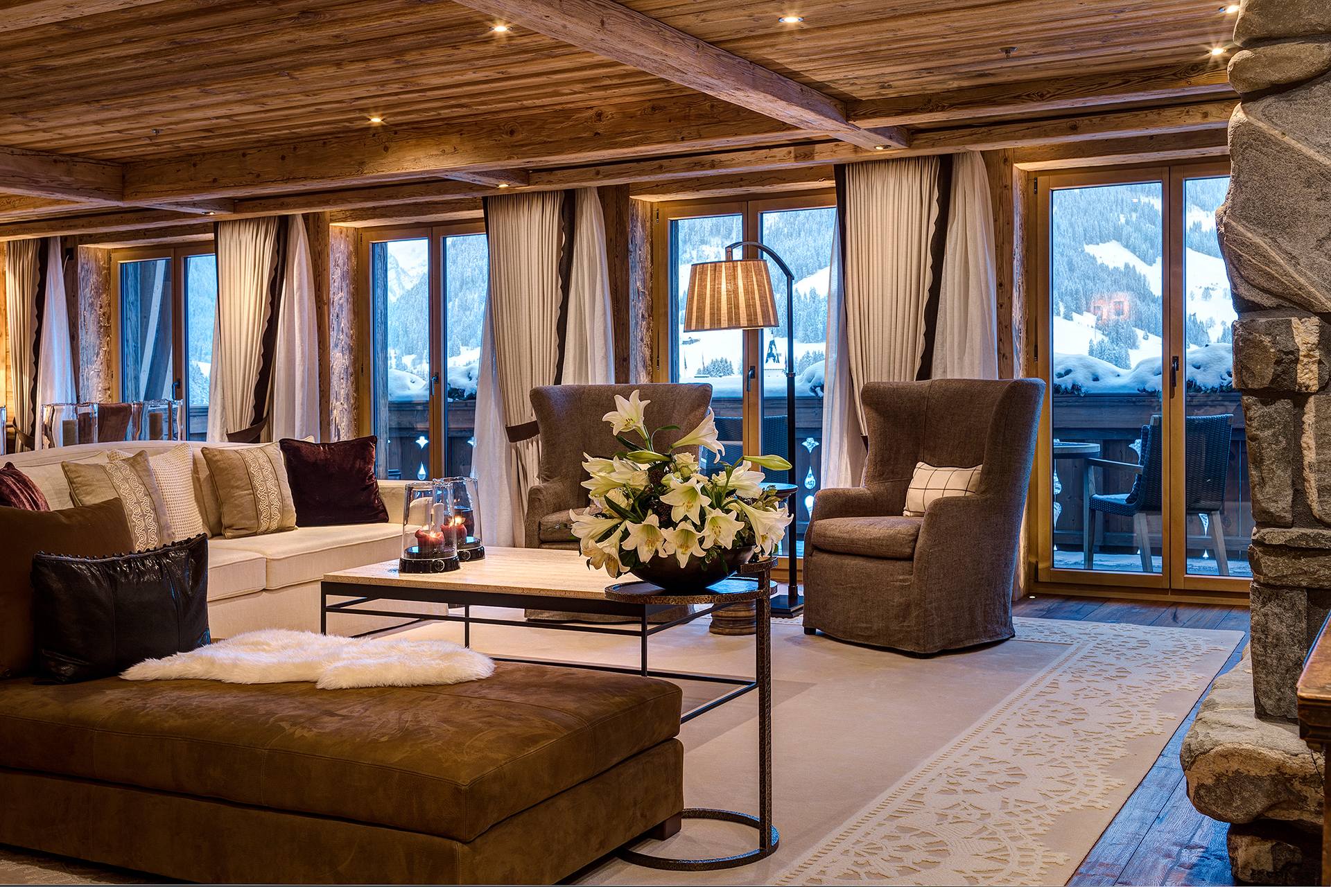 TheAlpinaGstaad_Rooms&Suites_0265_1920.jpg